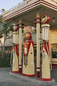 Art Deco gas station modified into apartments - Old Gas Pumps, Vintage Gas Pumps, Drive In, Route 66, Vintage Signs, Vintage Cars, Vintage Tools, Pompe A Essence, Auto Retro