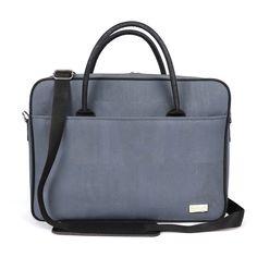 Vegane Kork Laptoptasche von CorkLane. Jetzt online bestellen bei www.korkeria.ch    #veganetasche #laptoptasche #korkmode #korktasche Portugal, Fashion, Vegan Handbags, Notebook Bag, Shoulder Pads, Blue Grey, Leather, Moda, Fashion Styles