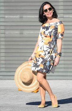 El capricho de Marquez@: Escote de barco y pamela Mature Fashion, Over 50 Womens Fashion, Curvy Girl Fashion, 50 Fashion, Fashion Over 40, Elegant Dresses, Beautiful Dresses, Cute Dresses, Casual Dresses