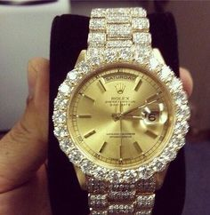 Rts if you want this diamond encrusted Rolex @rivin1 @JkvJkv81 @jet_new @arisepeter @jussizzz @JOE_1122 @AlexFayman