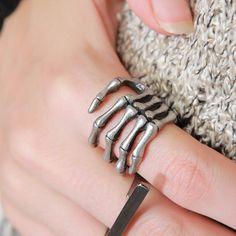 [Storets] Skeleton Hand Ring