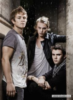 charlie bewley, jamie campbell bower and cameron bright