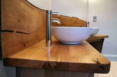 In diesem Artikel finden Sie eine ausführliche Anleitung in fünf Schritten, wie man einen Waschtisch selber bauen kann.