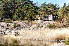Bilderesultat for hytte ved sjøen