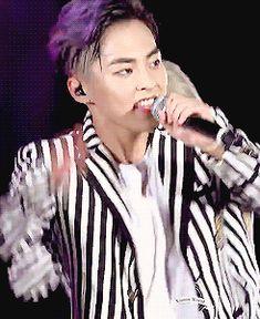 EXO'luXion 150912 : Love Me Right - Xiumin (3/4)