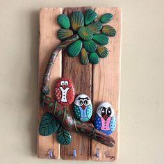 Asırlık ahşap üzerinde Kuşlu anahtar askılığı #art #ahşap #stone #stonepainting #birds #kuşlar #yağlıboya #oilpainting #hediyelik #gift #anahtaraskısı #handmade #elyapımı