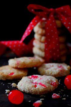 Kakkuviikarin vispailuja!: Joulupukin kuiskaukset Raspberry, Strawberry, Cookies, Fruit, Food, Healthy, Biscuits, Crack Crackers, Essen