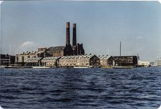 Lincoln Wharf (with power stacks) and Union Wharf – 1979 – Photo by Diana Blum Manter