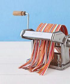 Idee regalo con il quilling: nuova tecnica per creare le strisce