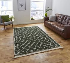 This green rug will add style to any room and is easy to clean making it a practical choice too! Teal Sofa, Teal Rug, Black Rug, White Rug, Urban Lifestyle, Circular Rugs, Square Rugs, Indian Rugs, Rug Store