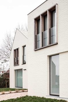 Woonproject - Residentieel - Park De Borchgrave - Zulte - ABS Bouwteam Facade Architecture, Residential Architecture, Exterior Design, Interior And Exterior, May House, Venice House, Painted Brick Walls, White Siding, Brick Facade
