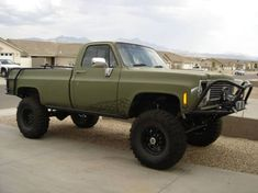 Why won't Dodge make a full size Ramcharger-like SUV? Chevy 4x4, Chevy Pickup Trucks, Lifted Chevy, Diesel Trucks, Cool Trucks, Dodge Trucks, Lifted Trucks, Offroad, Dodge Vehicles