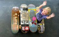 Adicionais Mesa de piquenique feita com shapes -  Inovando mais uma vez no designe de sua casa, esta é uma mesa de piquenique feita com shapes de skate, esta é um modelo menor feito para crianças, existe ate umas dicas de como construir a sua