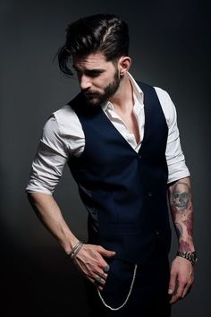Portrait Photography Men, Photography Poses For Men, Mens Photoshoot Poses, Style Costume Homme, Gilet Costume, Male Models Poses, Formal Men Outfit, Designer Suits For Men, Mens Trends