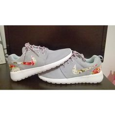 Custom Nike Roshe Run Gray Sneakers Athletic Women Shoes With Fabric Flowers