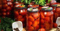 cc 14672 maminy-pomidory-na-zimu-bez-uksusa-tak-vkusno-chto-vypesh-dazhe-rassol. Russian Recipes, Slow Food, Conservation, Preserves, Pickles, Cucumber, Carrots, Salsa, Food And Drink
