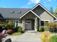1546 Northwest Hawthorne, Grants Pass, OR 97526 Condos For Sale, Property For Sale, Grants Pass Oregon, Sell Your House Fast, Estate Homes, Real Estate, Outdoor Structures, Charleston Sc, Brow