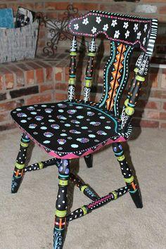 Funky painted chair...lubb de culars