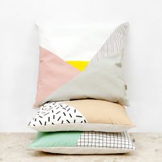 Cushion - Pink Memphis