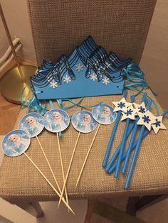 Frozen Birthday Party Games, Frozen Themed Birthday Cake, Disney Frozen Birthday, Frozen Theme Party, 6th Birthday Parties, Frozen Party Invitations, Frozen Party Decorations, Frozen Crafts, Crown For Kids