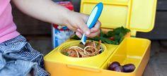 Μέσα σε όλες τις υποχρεώσεις της νέας σχολικής χρονιάς, η μαμά έχει να αναλάβει και το μεσημεριανό φαγητό του παιδιού στο ολοήμερο σχολείο. Σας έχουμε 15 πρακτικές ιδέες και μερικές χρήσιμες συμβουλές!