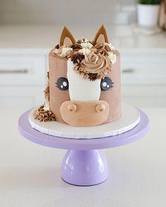 Torta Baby Shower, Horse Birthday Parties, Horse Birthday Cakes, 8th Birthday, Birthday Ideas, Purple Cakes, Modern Cakes, Horse Cake, Wedding Cake Stands