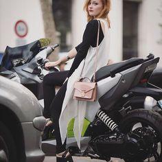Fashion week situation with @EstelleFitz on the @BMWMotorrad_France C-Evolution.  #BMWFashionRide