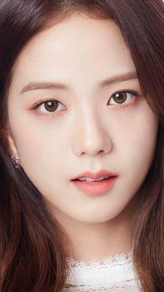 Jisoo's big browns Square Two, Black Pink ジス, Close Up Faces, Lisa Blackpink Wallpaper, Blackpink Members, Cute Korean Girl, Blackpink Photos, Jennie Blackpink, Blackpink Jisoo