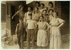 "Noon, August ""Young People in an Indianapolis Cotton Mill."" Uncharacteristically happy photograph by Lewis Wickes Hine, who generally seemed to prefer that his subjects scowl for the camera (or be normal). Shorpy Historical Photos, Historical Pictures, Indiana Girl, Lewis Hine, Mystery Of History, People Of Interest, Women In History, Photo Archive, Vintage Pictures"