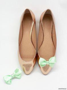 Kokardki Classic Mint - klipsy do butów Coquet - buty - Pakamera.pl Przypnij te kokardki gdzie chcesz! Do butów, włosów , ubrań, wszędzie będą wyglądać ślicznie i przywkuwać uwagę!