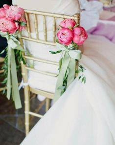 Love always beautiful and elegant even for a in a colorful Table And Chairs, Tables, Peonies Bouquet, Sweetheart Table, Wedding Chairs, Wedding Flowers, Colorful, Table Decorations, Elegant