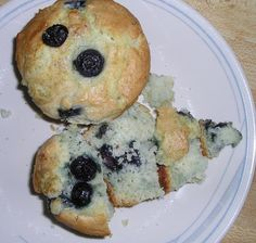 Blueberry Muffins Andagrave La Alton Brown Good Eats On Food Net Recipe - Genius Kitchen Good Eats Alton Brown, Canned Blueberries, Delicious Desserts, Yummy Food, Food Net, Cholesterol Lowering Foods, White Cake Mixes, Blue Berry Muffins, Smoothie Recipes