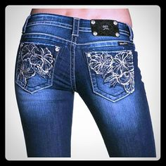 52f9b051cce Miss Me Women s Embroidered Metallic Floral Flared Jeans