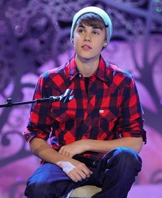 Justin Bieber 2011, Justin Bieber Posters, Justin Bieber Smile, Justin Bieber Pictures, Estilo Selena Gomez, Justin Hailey, Canadian Men, You Are Cute, Cover Songs