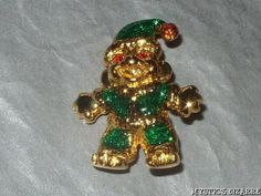 VINTAGE 80'S GOLD TONE ENAMEL LITTLE SANTA'S ELF HELPER BROOCH GREEN