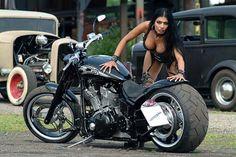 Yamaha Blade.    http://ikoupon.com/Women-Beauty/Moto-Girls/Yamaha-Blade-6052.html#_