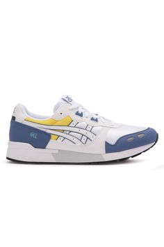 First released in the GEL-LYTE series, became the epitome of outstanding running shoes. It's the first models to be equipped with GEL damping tech. Asics Gel Lyte, Running Shoes, Sneakers, December, Fashion, Runing Shoes, Tennis, Moda, Fashion Styles
