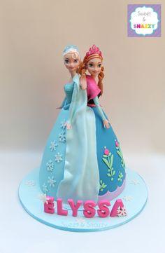 Frozen Doll Cake, Elsa Doll Cake, Frozen Theme Cake, Frozen Dolls, Doll Birthday Cake, Frozen Birthday Party, First Birthday Cakes, Dolly Varden Cake, Anna Und Elsa