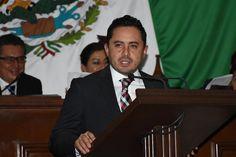 A propuesta del diputado del PRI, Roberto Maldonado, el Congreso de Michoacán aprobó un exhorto al alcalde Jesús Álvarez Hernández, para que atienda la problemática expuesta en el Informe de ...