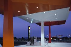 ERCO - Discovering light - Shop - Repsol Service Station