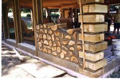 cordwood construction this whole article waw interesting.entire homes built with cord wood. I love the texture it brings.great for a patio wall. Cob Building, Green Building, Building A House, Cordwood Homes, Tadelakt, Natural Homes, Dome House, Earth Homes, Natural Building
