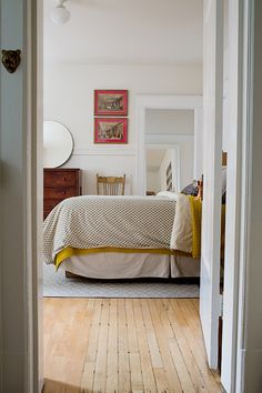 Interior deco / kate davison bedroom view: our guest room is grey with yellow.same scheme just lightened. Yellow Bedding, Mustard Bedding, Bedding Sets, Up House, Home Bedroom, Airy Bedroom, Bedrooms, Master Bedroom, Interiores Design