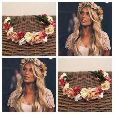 Boho dress and flower wreath Boho Wedding Hair, Wedding Hair And Makeup, Bridal Hair, Dream Wedding, Flower Crown Hairstyle, Crown Hairstyles, Wedding Hairstyles, Floral Hair, Floral Crown