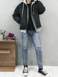grey hoodie and jumper Korean Street Fashion, Korean Fashion Men, Mens Fashion, Mens Grunge Fashion, Grunge Men, Style Fashion, Fashion Vest, Fashion Guide, Korean Men