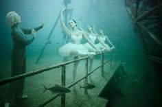 the-sinking-world-Andreas-Frank-dance