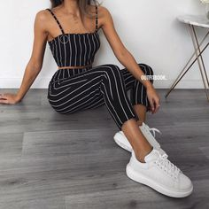 Chic and casual outfits 2019 charming, spring summer outfits ideas nice gorgeous teen fashion outfits Teen Fashion Outfits, Mode Outfits, Womens Fashion, 90s Fashion, Fashion Spring, Fashion Styles, Fashion Trends, Style Fashion, Feminine Fashion