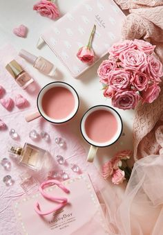 Image in Girly Things collection by ♔ⓜⓟⓘⓝⓚ♔ on We Heart It Whats Wallpaper, Pink Wallpaper, Pink Love, Pretty In Pink, Trippy Hippie, Flat Lay Photography, Everything Pink, Pink Fashion, Pastel Pink