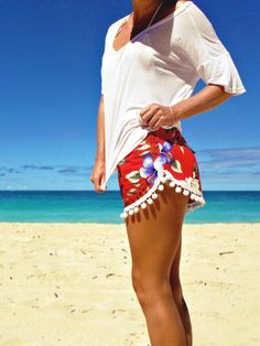 Jazz up those Summer Shorts by adding a Pompom Trim. Summer 2013 ♥ Jazz up those Summer Shorts by adding a Pompom Trim. Diy Shorts, Pompom Shorts, Fringe Shorts, Summer Work Outfits, Summer Outfits Women, Casual Skirt Outfits, Cute Outfits, Jazz, Diy Clothes