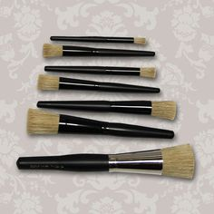 Easy way to stencil! | Set of 7 Stencil Brushes | Stenciling Brushes | Royal Design Studio