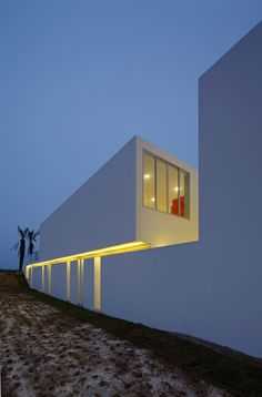 A Beachfront House in Peru by Juan Carlos Doblado Photo
